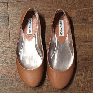 Steve Madden | Leather Flat Size 7.5